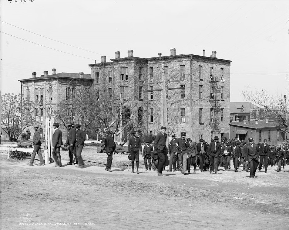 Alabama Hall, Tuskegee Institute, 1906 (Library of Congress)