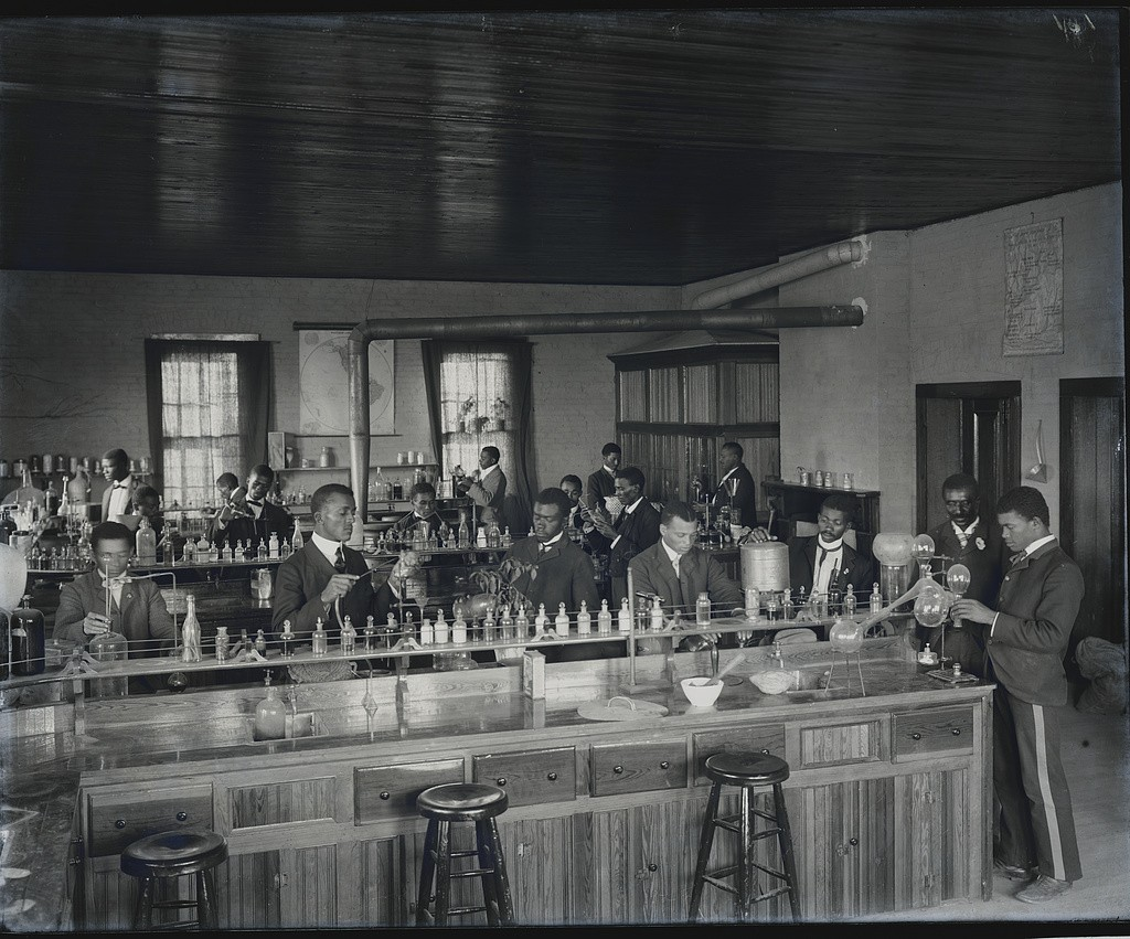 Tuskegee - Chemistry lab, George Washington Carver in door 1902 (library of congress)
