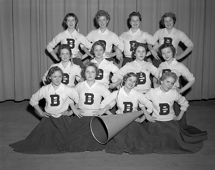 Cheerleaders at Baldwin Junior High School in Montgomery, Alabama Q72134 January 10, 1956 (John E. Scott, ADAH)