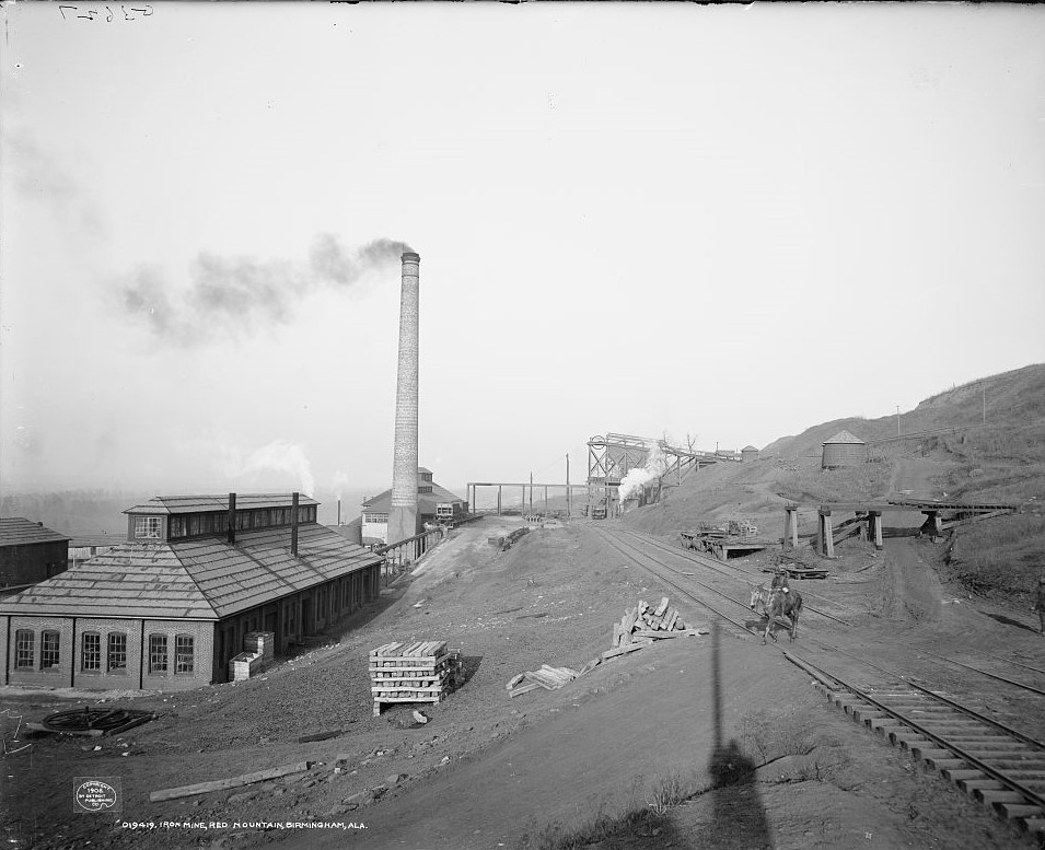 Iron mine, Red Mountain, Birmingham, Ala ca, 1906 (Detroit Publishing Co., Library of Congress)