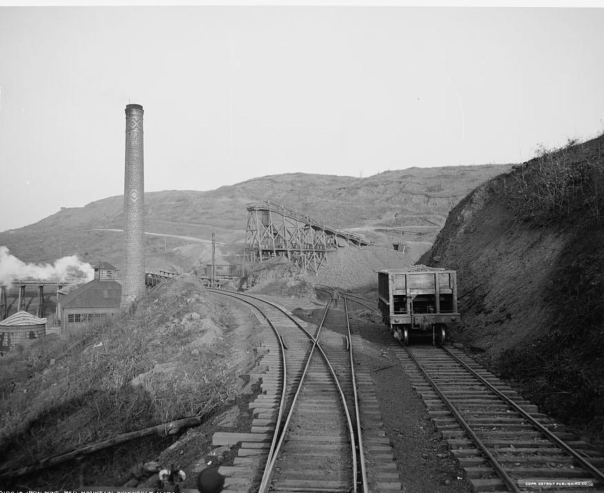 Red Mountain Iron Mine, Birmingham, Alabama ca. 1906 (Detroit Publishing Co., Library of Congress)