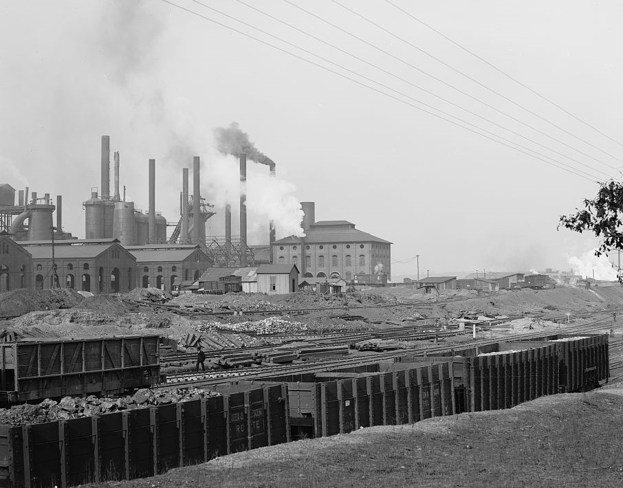 Tennessee Coal, Iron & Railroad Co.'s furnaces, Ensley, Alabama ca, 1906 (Detroit Publishing Company, Library of Congress)