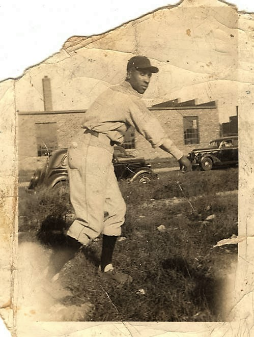 Uncle Tony – African American baseball player in Birmingham, Alabama. ca 1940s Q5159 (by Lollar's Birmingham, Alabama Department of Archives and History)