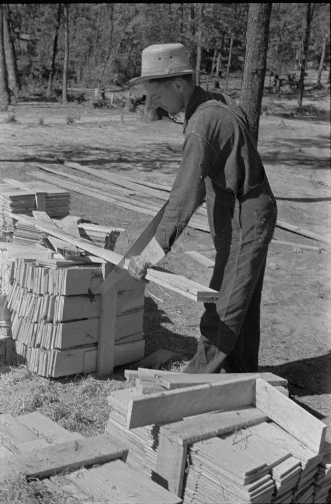 Cutting wood for shingles, Jackson County, Alabama 1935 by Arthur Rothstein (Library of Congress)