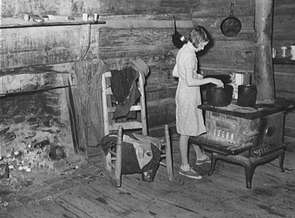 Gladys Smith, 13-year old girl, who cooks and cares for a family of 6 Coffee County, Alabama(1939, Marion Postt Walcott, Library of congress)