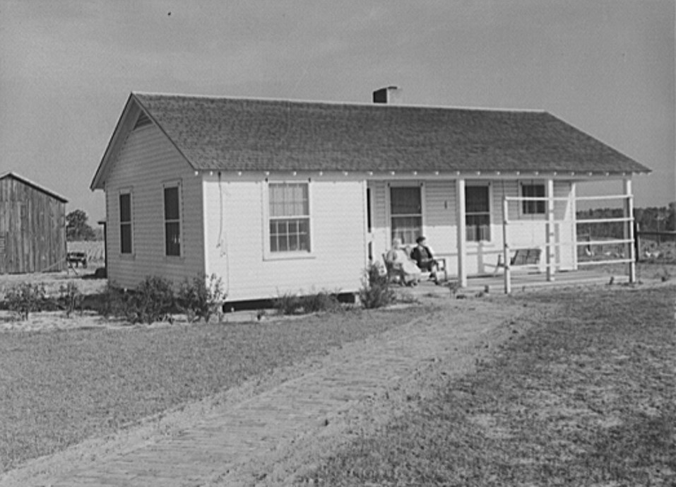 New project house. Coffee County, Alabama April 1939 (by Marion Post Wolcott, Library of Congress)