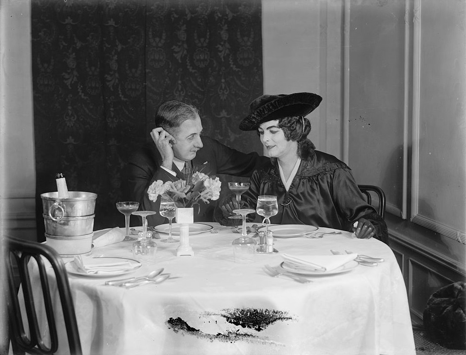 couple-at-champagne-supper-ca-1900-bain-publishing-co-library-of-congress