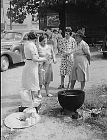 PATRON + RECIPE WEDNESDAY: Brunswick Stew from 1930s recipe