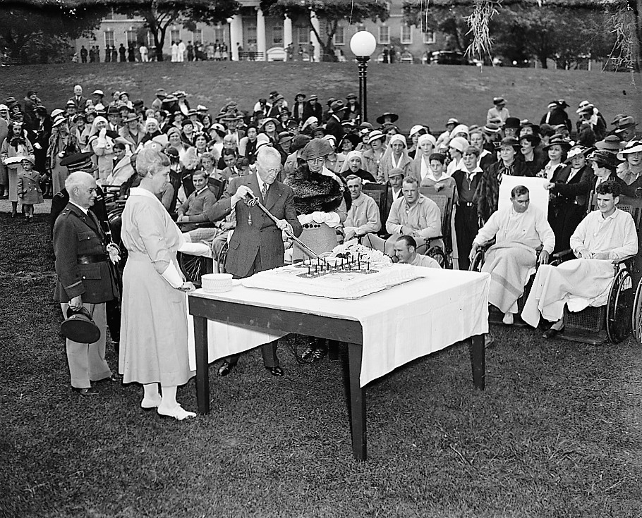GEN. JOHN J. PERSHING AND MRS. FRANKLIN ROOSEVELT CUT CAKE AT WALTER REED HOSPITAL, 1910 Harris and Ewing (Library of Congress) (2)