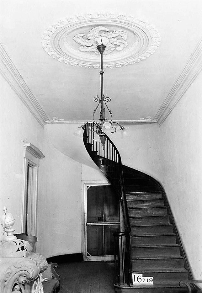 magnolia-grove-stair-hall-front-1934-loc