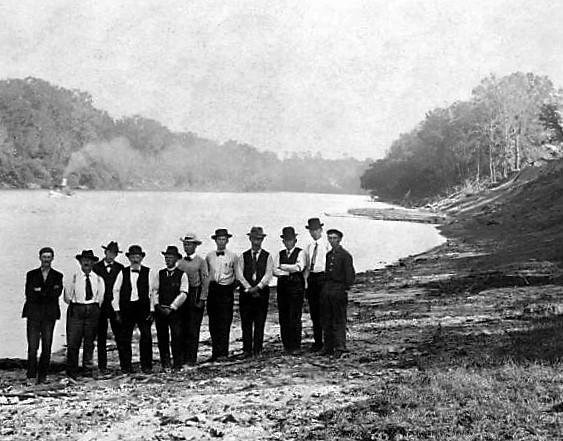 surveyors-at-st-stephens-bluff-tombigbee-river-library-of-congress
