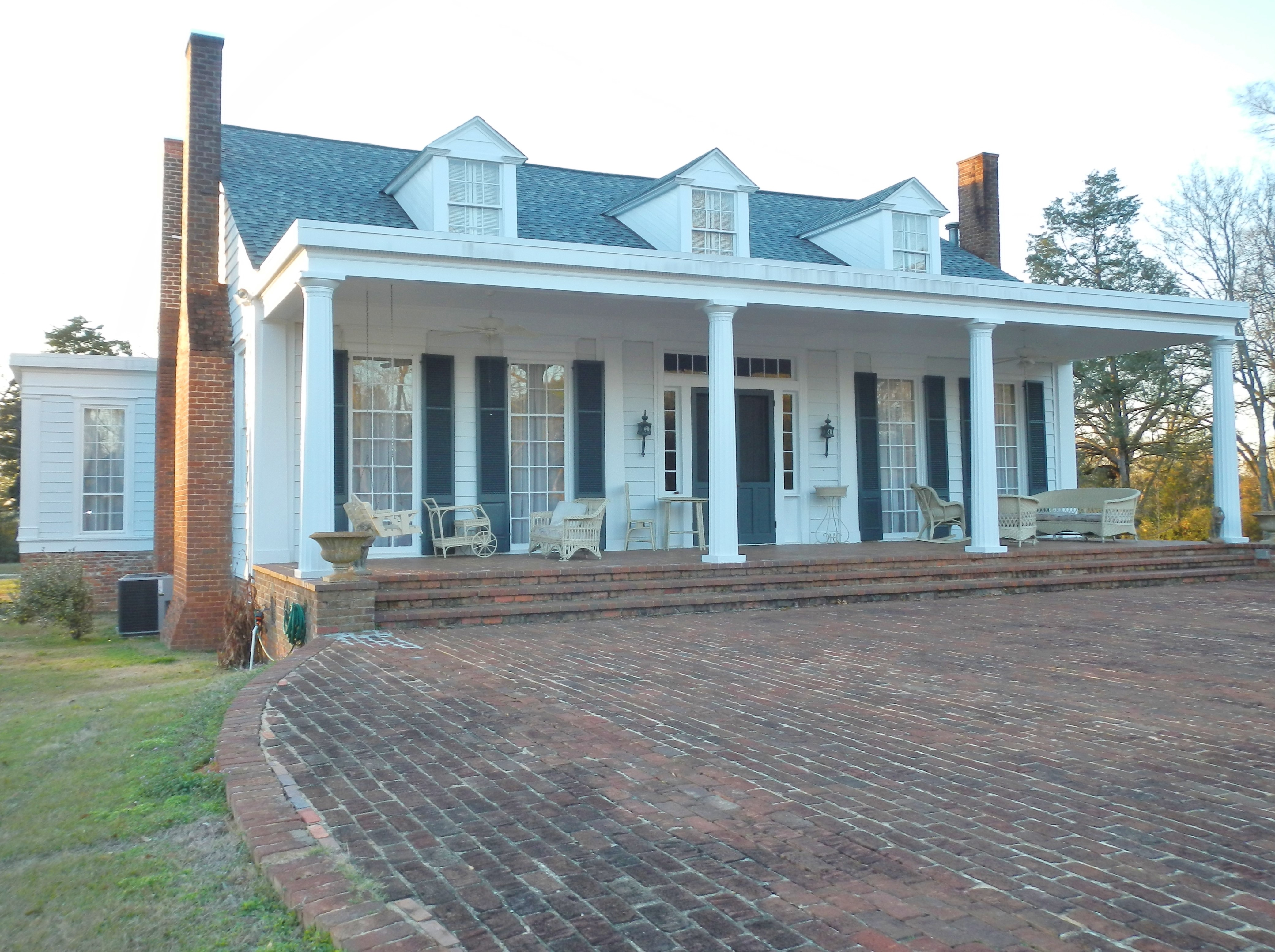 Marengo an ante bellum house that still stands in lowndes for Powell homes