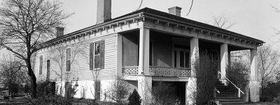 A first cousin of Robert E. Lee married an Auburn, Alabama citizen