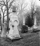 Tombstone Tuesday: This was evidently not a loving family