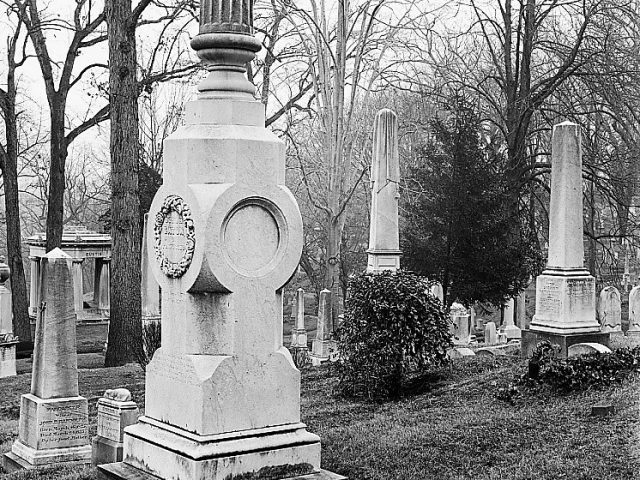 PATRON + TOMBSTONE TUESDAY: This was evidently not a loving family