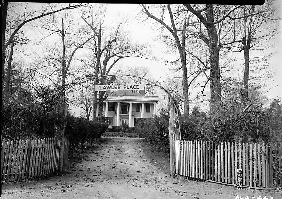 Does this beautiful old mansion still exist in Talladega County?