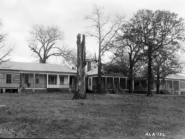 Amazing photos of Franklin King Beck home in Wilcox County, Alabama built ca. 1832